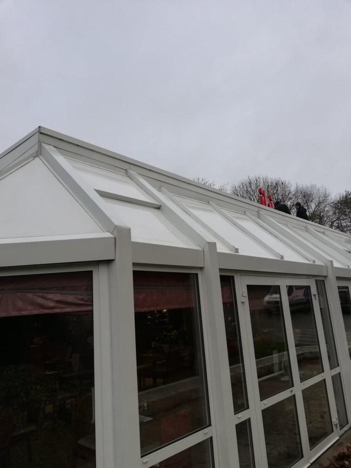 Nettoyage de toiture par l'entreprise Clean Net Service Quimper