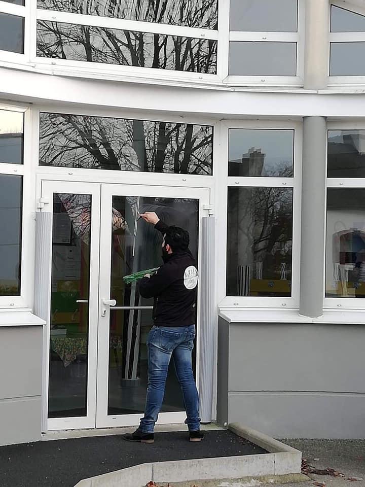 Nettoyage de vitres par l'entreprise Clean Net Service Quimper